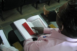 A believer in India studying the Bible. - Photo: VOM Canada