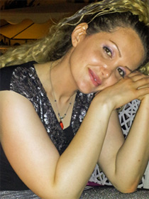 Maryam Naghash Zargaran (Open Doors)